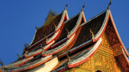 buddhist_temple_in_luang_prabang_royal_palace_laos_7205